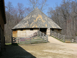 16 Sided Threshing Barn - George Washington